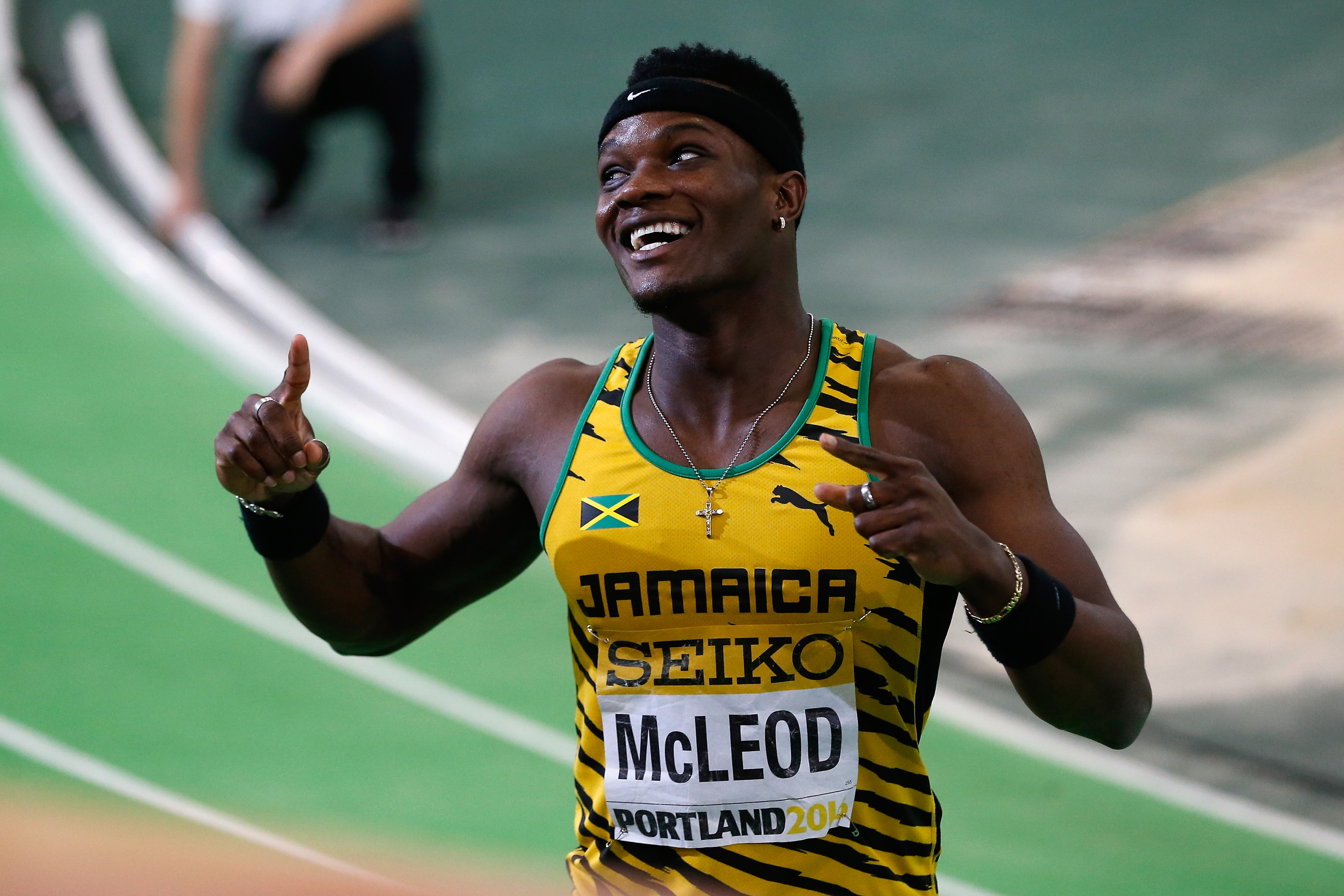 McLeod easily qualifies for 110H semis