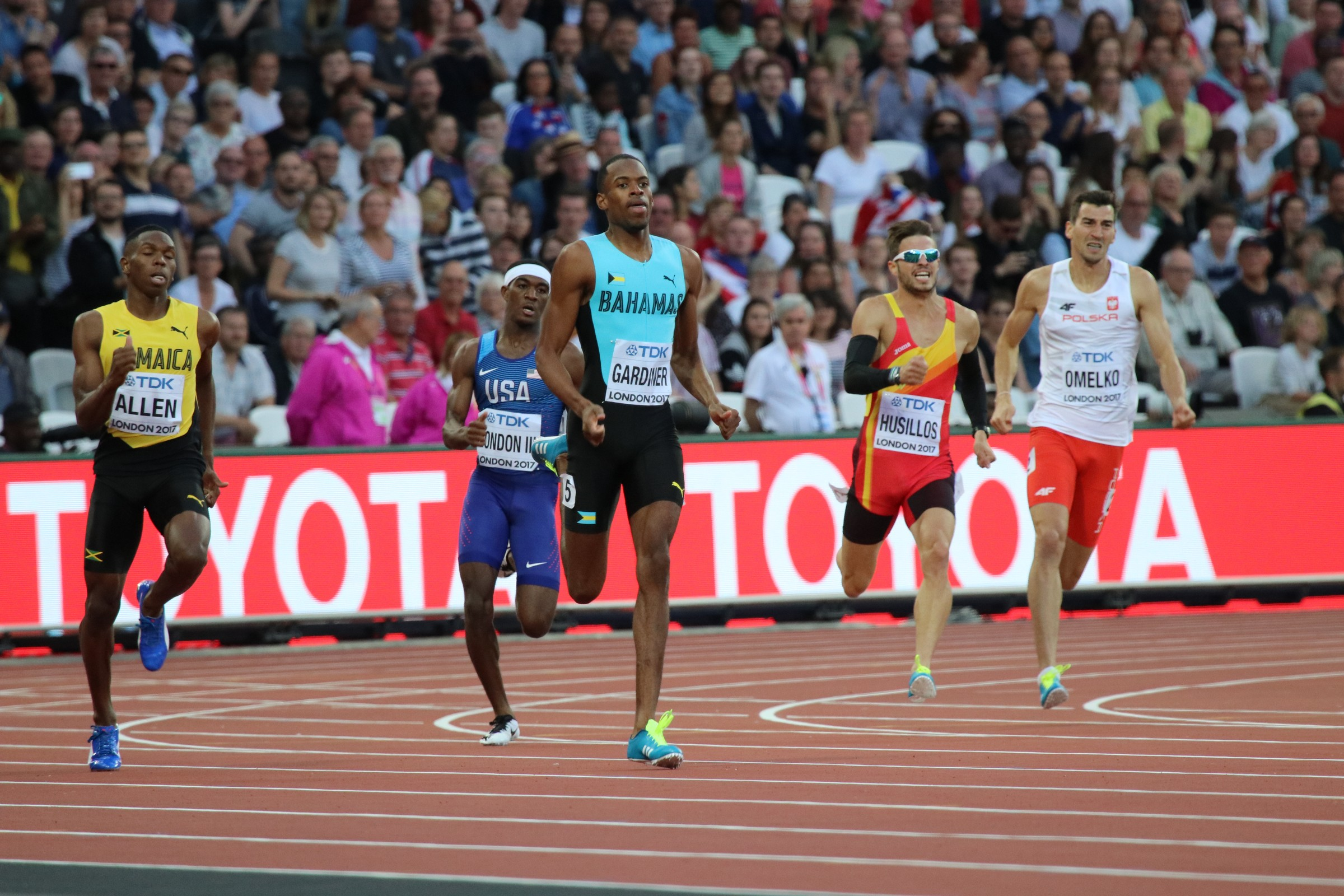 Watch Steven Gardiner's 44.43secs 400m win in Poland