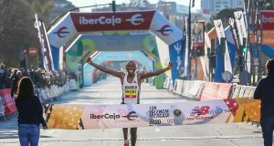 Kipruto breaks world 10km record in Valencia