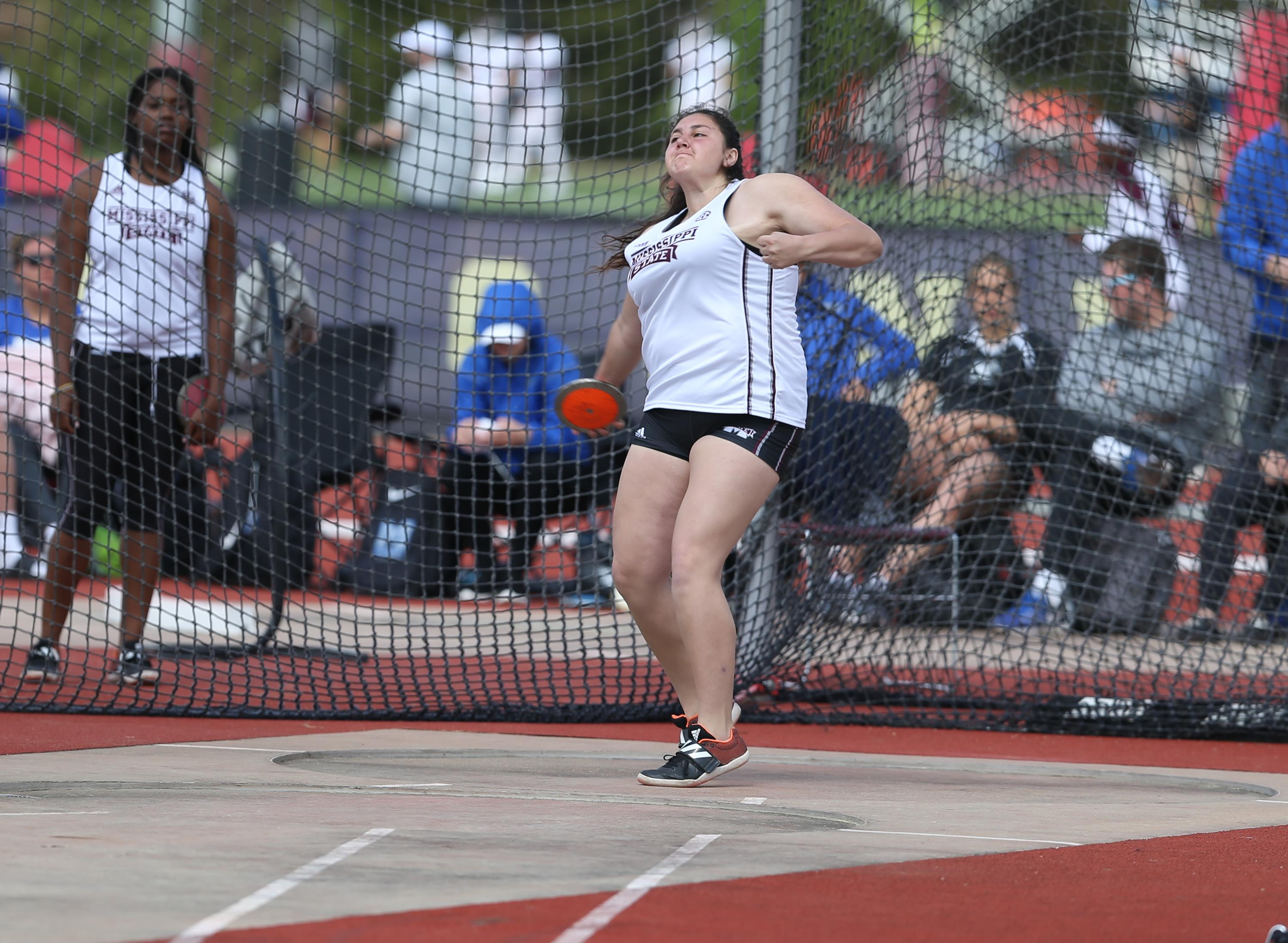 Viveros Sets School Record in Shot Put at Music City Challenge