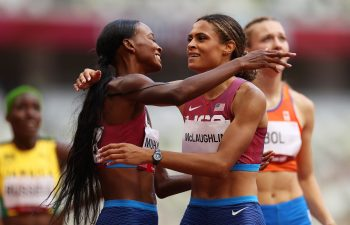 Sydney McLaughlin sets new world record in Tokyo 2020